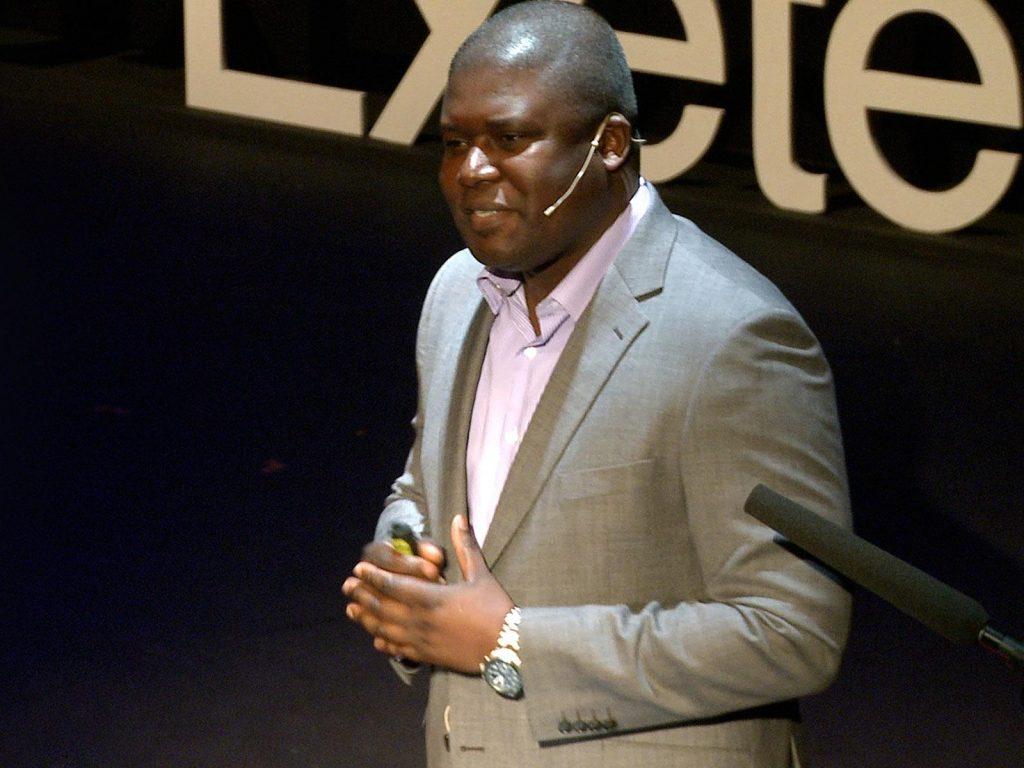 سخنرانی تد : باندی ام بوبی: خواستار تجارت عادلانه تلفن