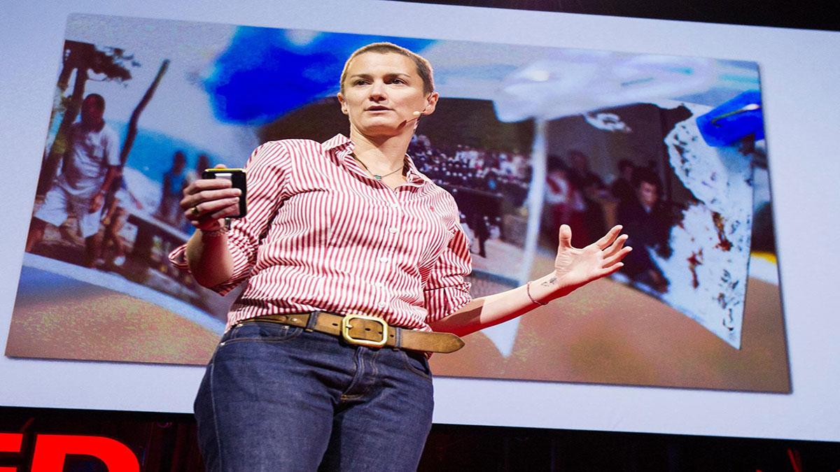 سخنرانی تد : بکی منسون: رنگ دادن (مجدد) به زندگی از طریق عکسها