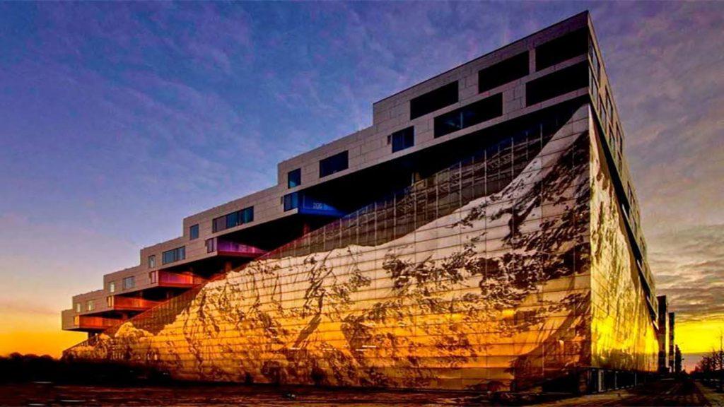 سخنرانی تد : سه افسانه پرشتاب معماری