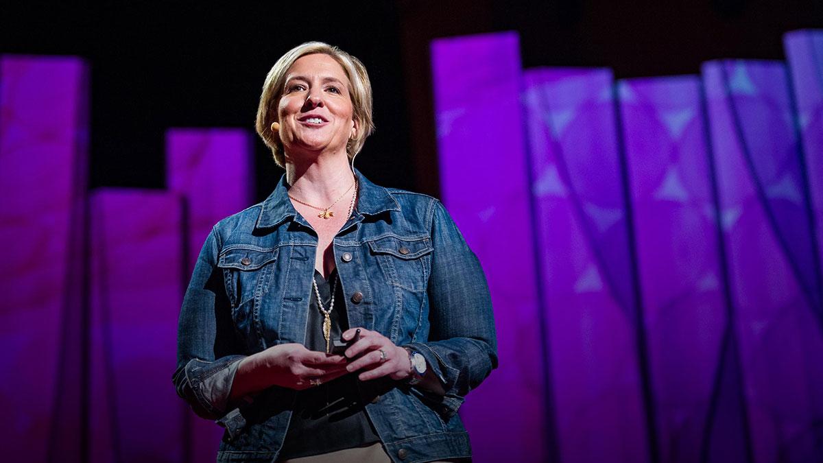 سخنرانی تد : برنه براون: گوش دادن به شرم