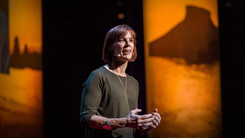 سخنرانی تد : برای پرورش دخترانی بی باک، آنها را به ماجراجویی تشویق کنید