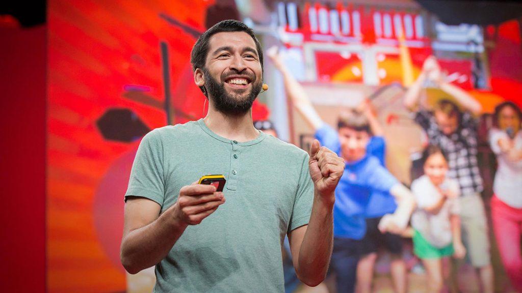 سخنرانی تد : چطور به بچهها دوست داشتن علم را آموزش میدهم