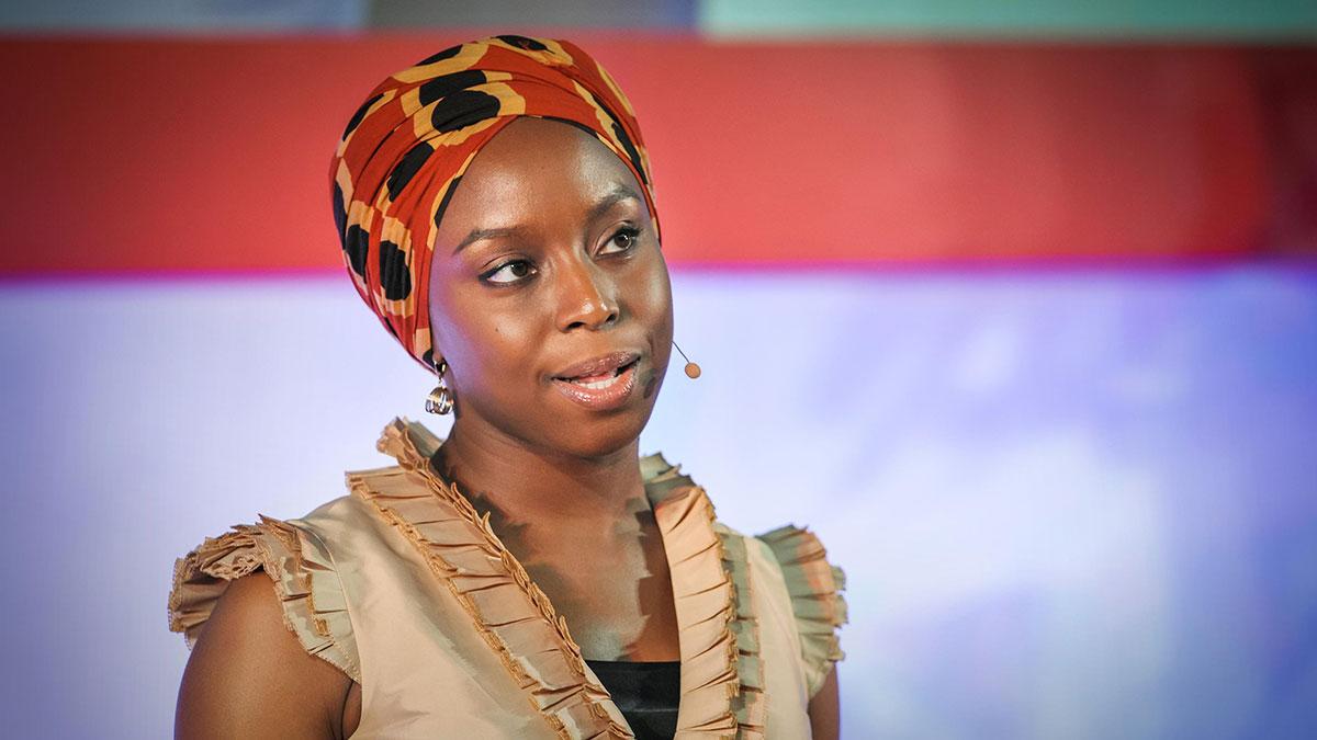 سخنرانی تد : چیماماندا آدیچیه : خطر داشتن تنها یک داستان در مورد چیزی