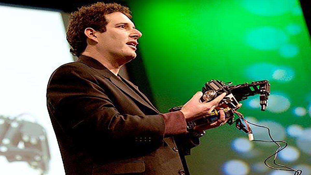 سخنرانی تد : هاد لیپسون (Hod Lipson) روبات های خودآگاه می سازد