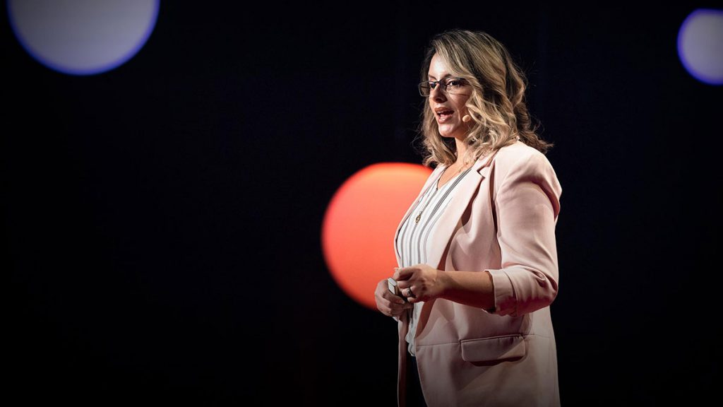سخنرانی تد : زنان پلیس چگونه جوامع را امنتر میکنند