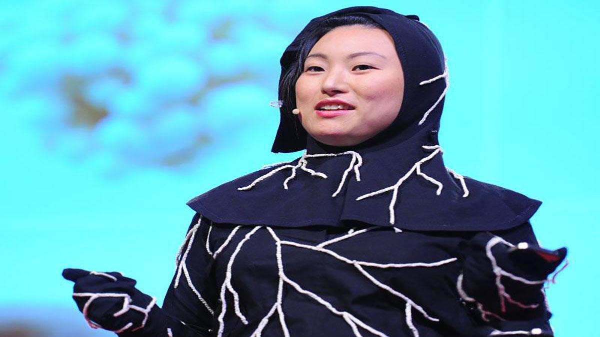 سخنرانی تد : جی ریم لی: لباس خاکسپاری قارچی من