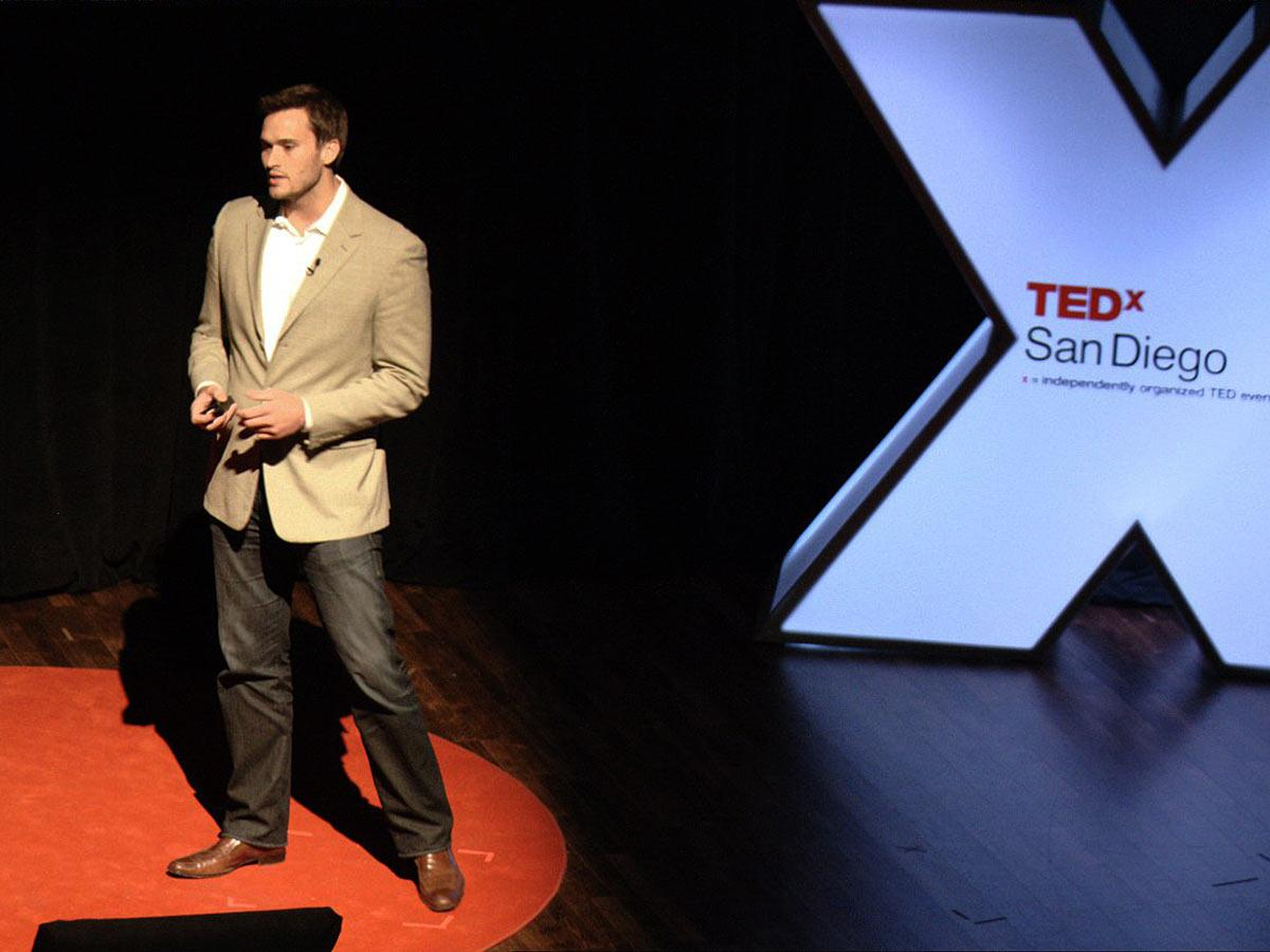 سخنرانی تد : جیک وود: ماموریت جدید سربازانِ کهنه کار — کمک رسانی در بلایا