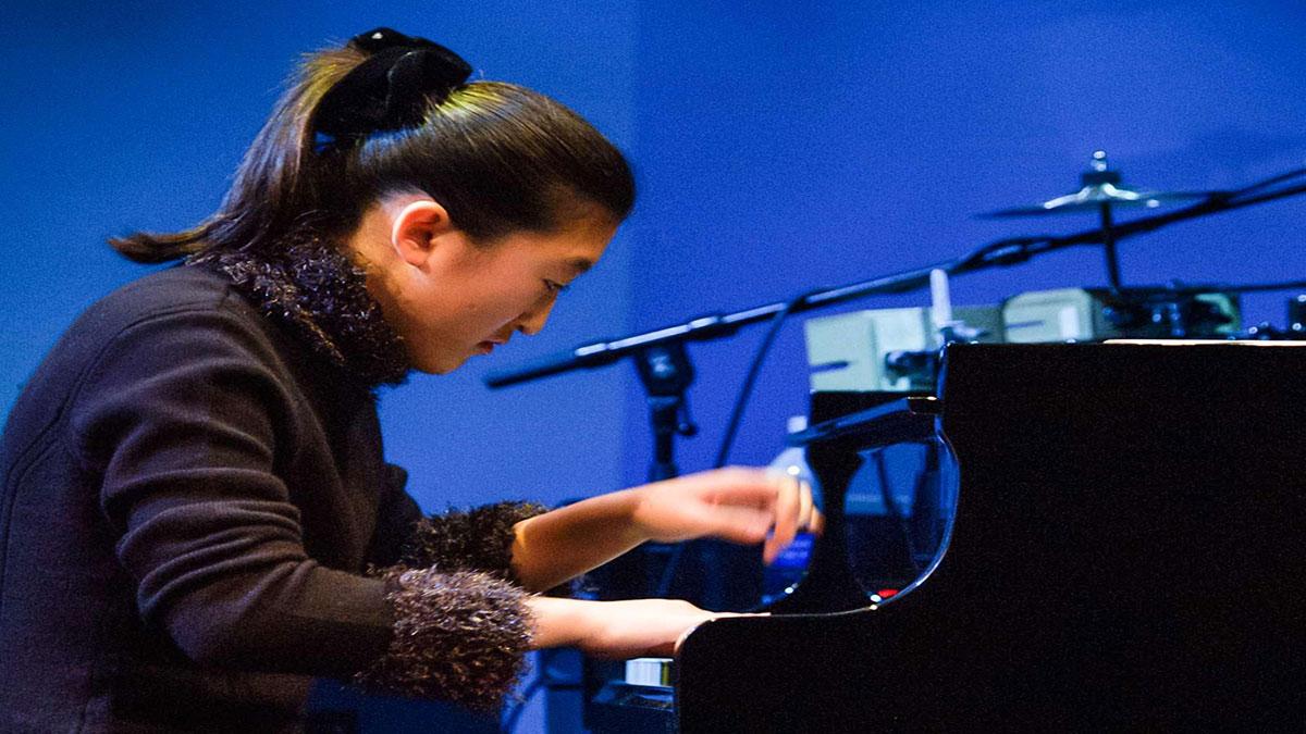"""سخنرانی تد : """"جنیفر لین"""" جادوی پیانو را ارتقاء می دهد."""