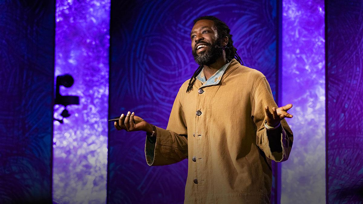 سخنرانی تد : تکنولوژی پوشیدنی که با لامسه در مسیریابی به شما کمک میکند