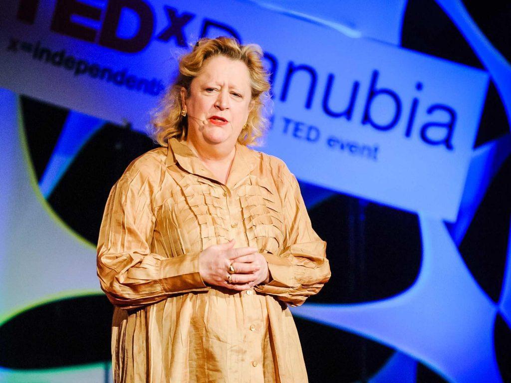 """سخنرانی تد : خطر ناشی از """"غفلت خودخواسته"""""""