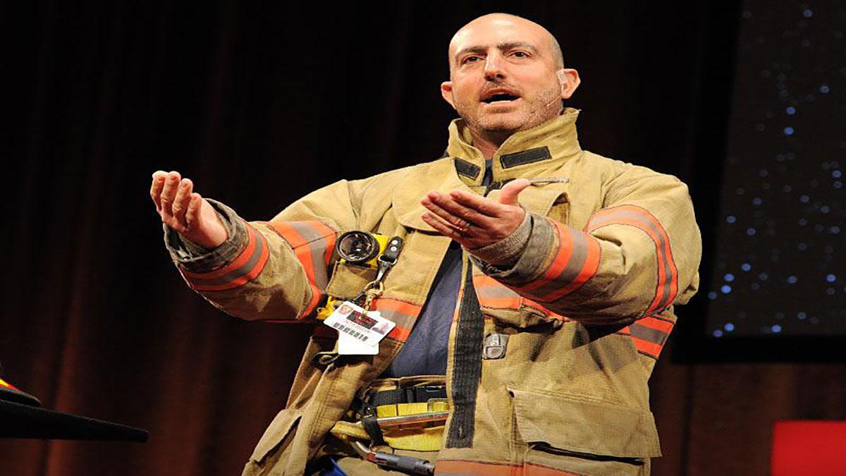 سخنرانی تد : مارک بزوس : یک درس زندگی از یک داوطلب آتش نشان