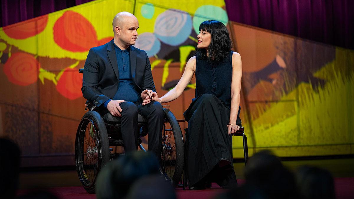 سخنرانی تد : نامهای عاشقانه به  واقعگرایی در زمانه اندوه