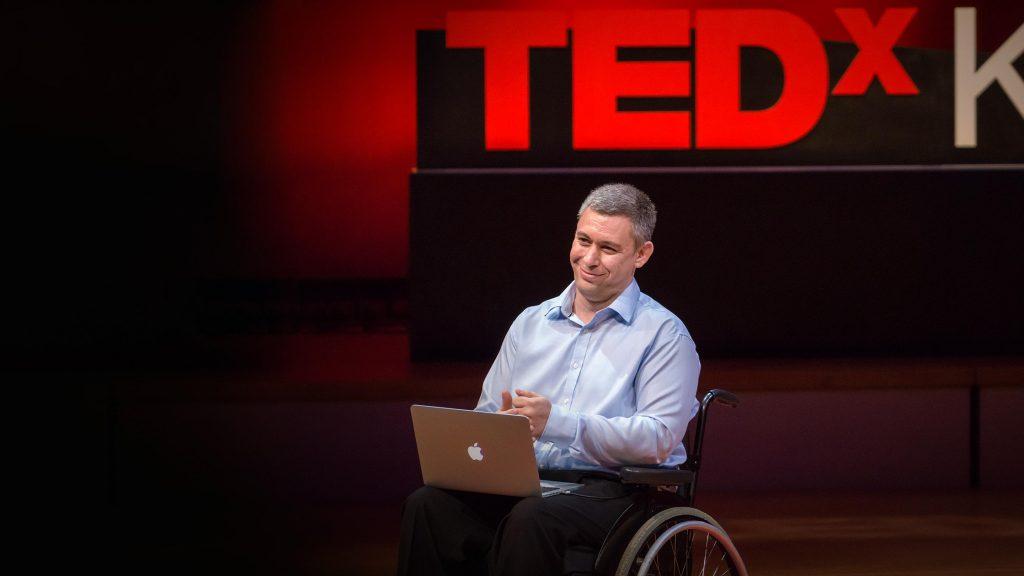 سخنرانی تد : چگونه ذهن من به زندگی بازگشت – و هیچ کس نمیدانست