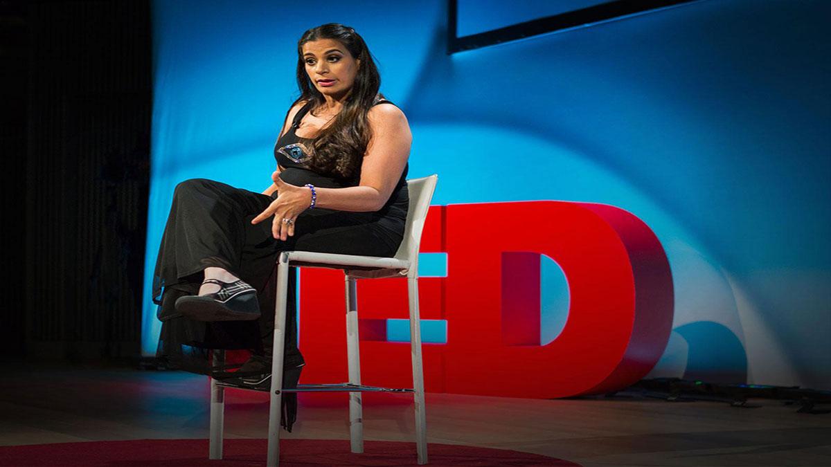 سخنرانی تد : من هزار و یک مشکل دارم … رعشهی عصبی تنها یکی از آنهاست