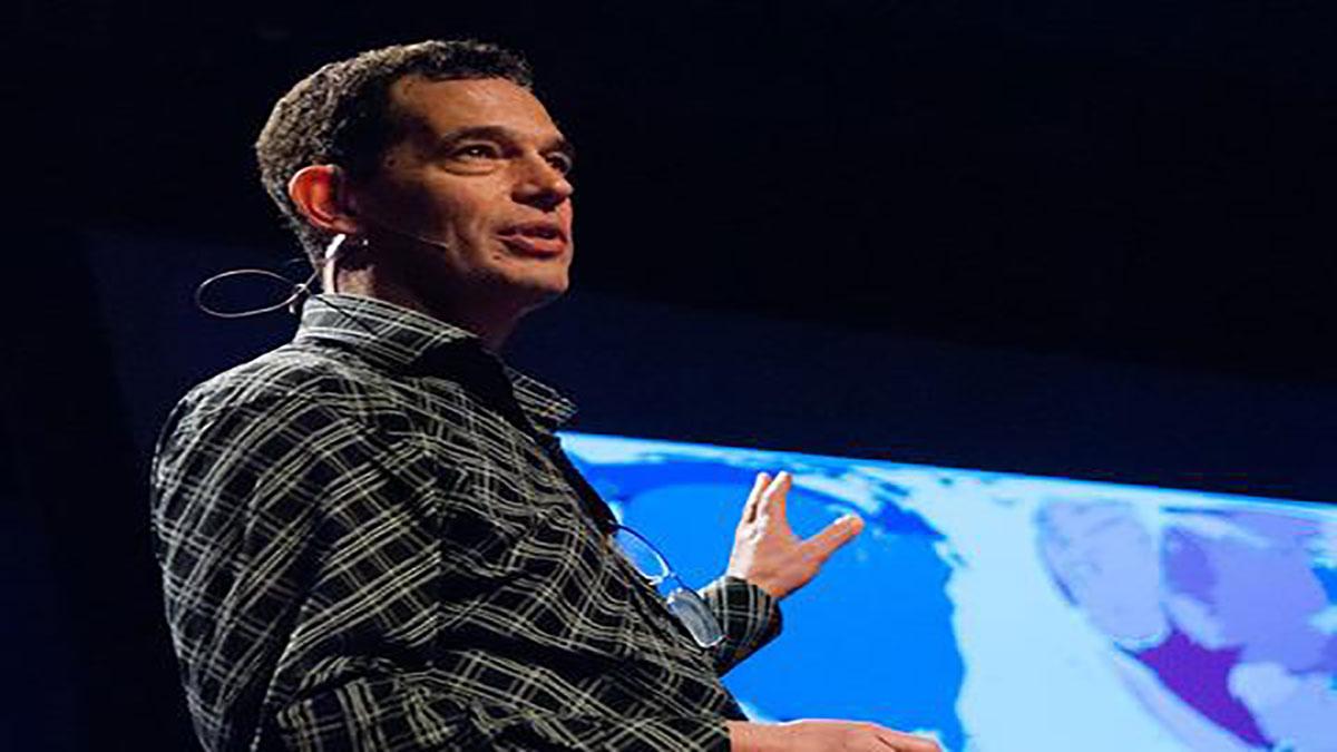 سخنرانی تد : نيل تورك آرزوى خودش رو در هنگام دريافت جايزه TED بيان مى كند.