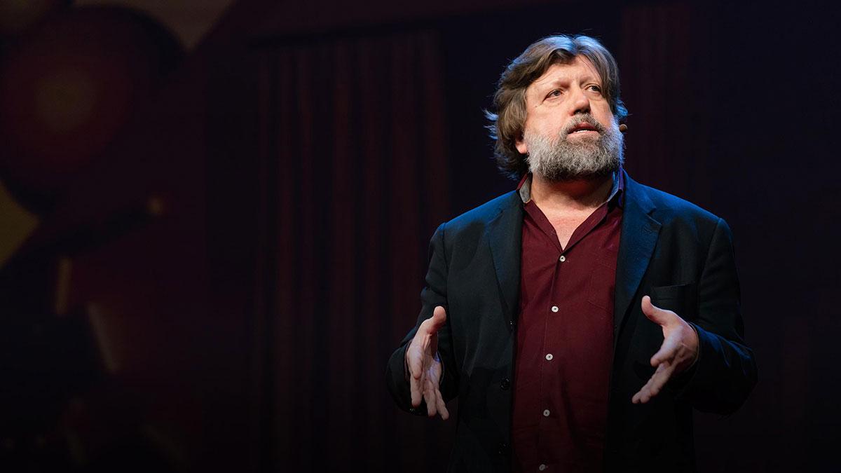 سخنرانی تد : چرا تئاتر برای دموکراسی ضروری است