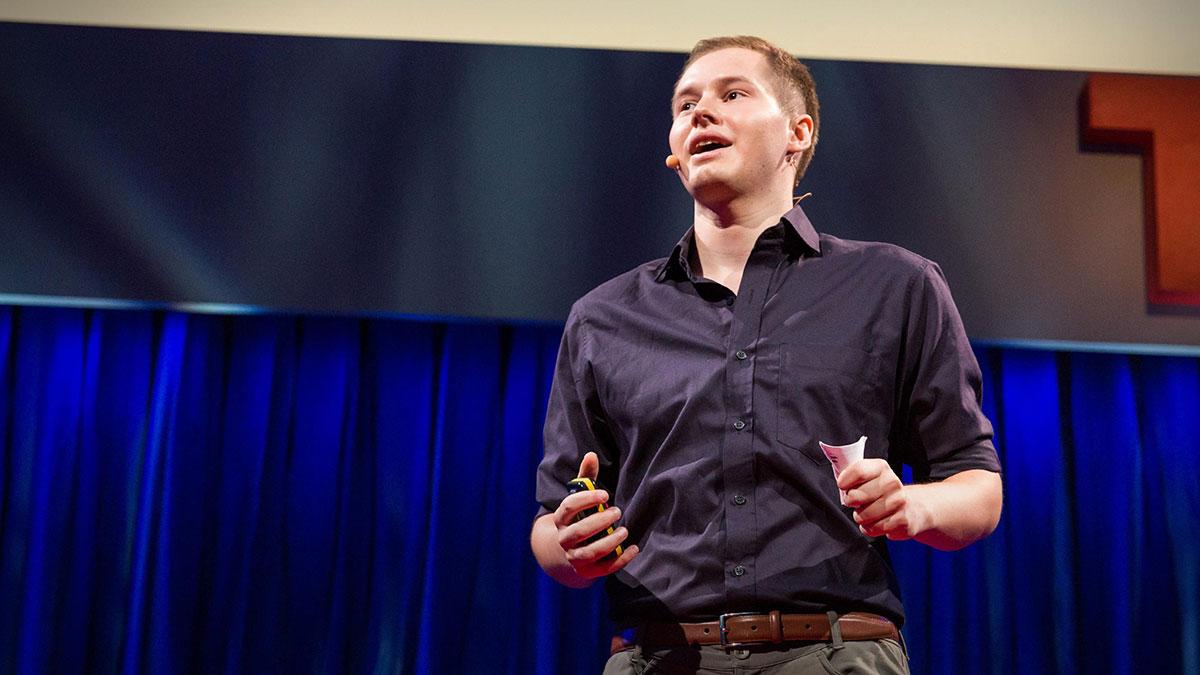 سخنرانی تد : دولتها جنگ سایبری را درک نمیکنند. ما به هکرها نیاز داریم