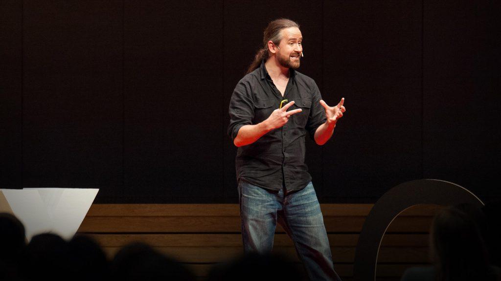سخنرانی تد : ریاضیات راز پنهان درک جهان است
