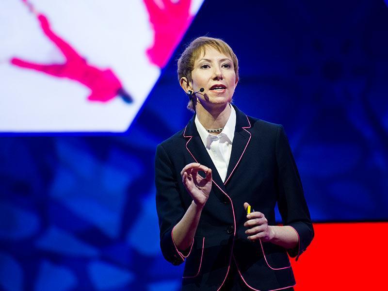 سخنرانی تد : HIV—چگونه با همهگیری قانونهای بد مبارزه کنیم