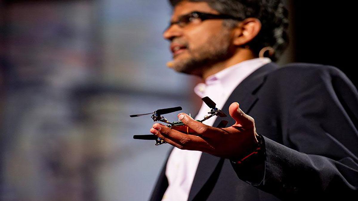 سخنرانی تد : ویجی کومار: روبات هایی که پرواز  … و با همدیگر همکاری میکنند